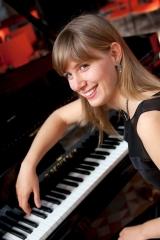 Suzana Bartal HD.jpg